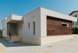 Seaside Essentials_ Interior&Exterior Design Project_ Main Entrance
